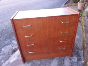 ccommode-annees-70-leana